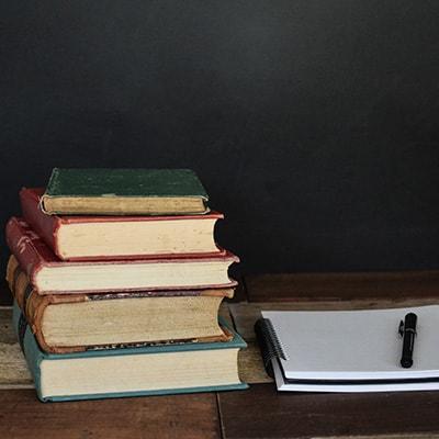 books-400x400 (1)