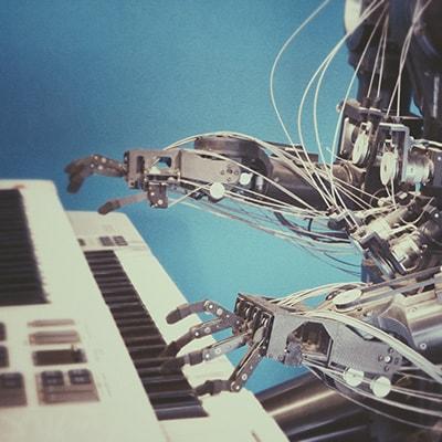 robot-on-piano-400x400